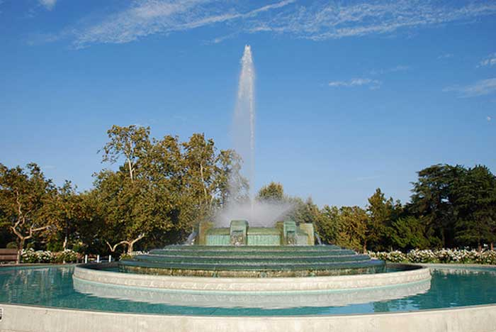 william-j-memorial-fountain