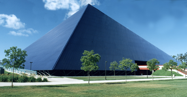 walter pyramid los angeles